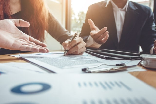 How Can Chicago Commercial Litigation Attorney Help With Business Disputes